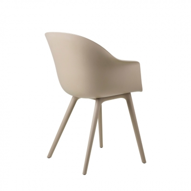 GUBI   Bat Dining Chair - Plastic Base, Outdoor   Bolighuset Werenberg